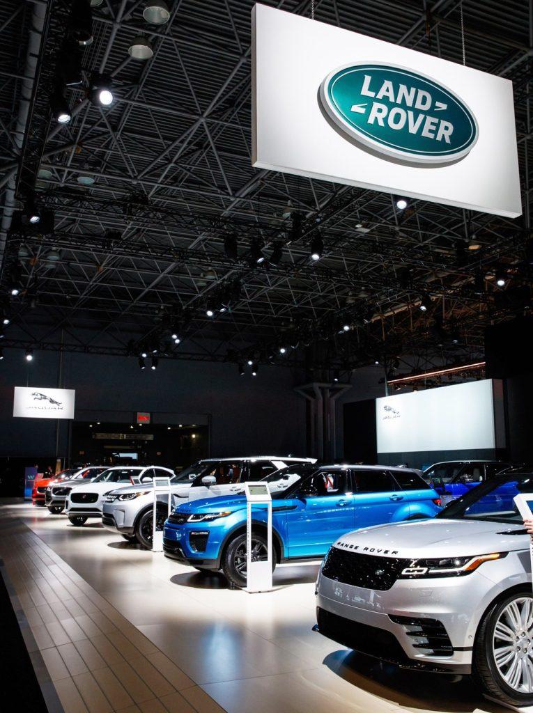 La imagen tiene un atributo ALT vacío; su nombre de archivo es Jaguar-Land-Rover-Salon-Virtual-de-Ocasion-noticia-2-765x1024.jpg